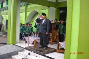 MENGENAL LEBIH DEKAT KH. DR. ABDUL GHOFUR MAIMUN. MA.