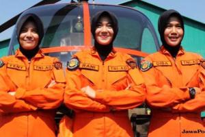 HEBAT, TERNYATA PILOT WANITA PERTAMA TNI AD MERUPAKAN PUTRI SEORANG SOPIR